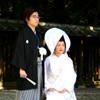 κομψή νύφη σε γάμο Σίντο